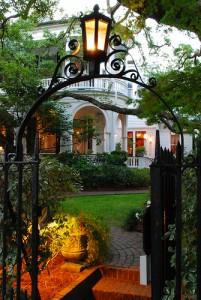 Nicht nur aufgrund von Feng Shui wichtig: Die Beleuchtung des Hauseingangs