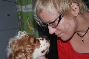 Hundepsychologe bei der Arbeit