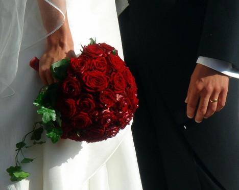 Ein Strauss roter Rosen: Es gibt kein besseres Symbol für die entbrannte Liebe