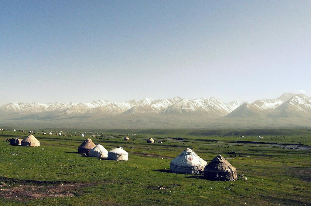 wohnen in jurten neuer wohntrend aus zentralasien. Black Bedroom Furniture Sets. Home Design Ideas