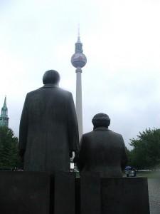 Monument der Vergangenheit: Marx und Engels Denkmal in Berlin