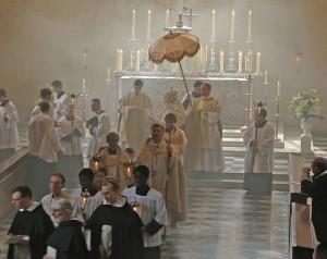 Katholische Prozession in der Priory Church in Oxford