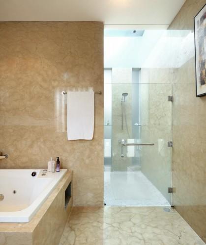 feng shui haus von architekt edy hartono. Black Bedroom Furniture Sets. Home Design Ideas