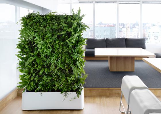 indoor landscaping ein vertikaler garten f r die wohnung. Black Bedroom Furniture Sets. Home Design Ideas