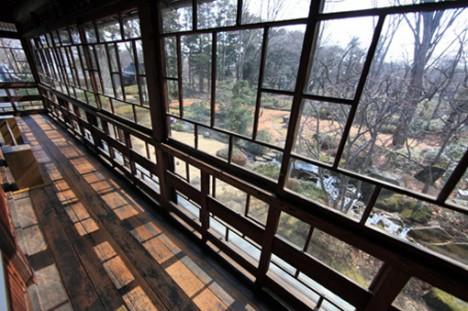Geomantie und Feng Shui beschäftigen sich mit dem energetischen Zusammenhang zwischen einem Menschen und seinem räumlichen Umfeld (Foto: Tanaka Juuyoh, Traditionelles japanisches Haus mit Zen-Garten)