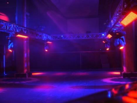 LED-Einsatz in einer Disko in Valencia, Spanien