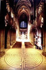 Labyrinth in der Kathedrale von Chartres, Frankreich, erbaut im 13. Jahrhundert