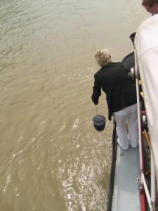 Wird immer beliebter, ist aber in Deutschland nicht erlaubt: Die Donaubestattung