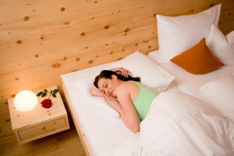Holz fördert den gesunden Schlaf