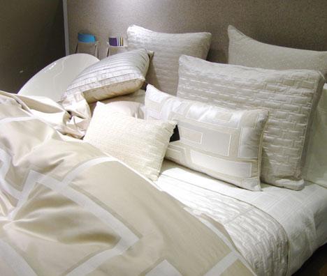 Wer einmal den Komfort eines Wasserbettes erlebt hat, wird meist nicht mehr auf ein herkömmliches Bett umsteigen.