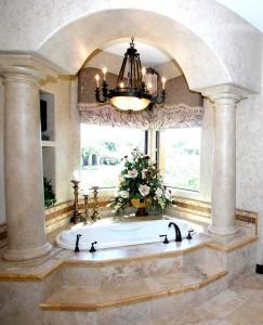 Für etwas ausgefallenere Ansprüche: Badezimmer im toskanischen Stil