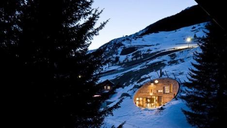 Villa Vals im Winter: Luxus-Refugium mit Blick auf eine traumhafte Kulisse