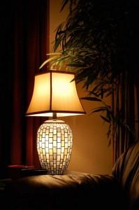 Dezente Beleuchtung in dunklen Zimmerecken sorgt für die richtige Wohlfühlatmosphäre