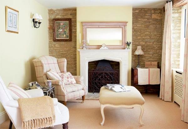 Renoviertes Wohnzimmer im Englischen Landhausstil
