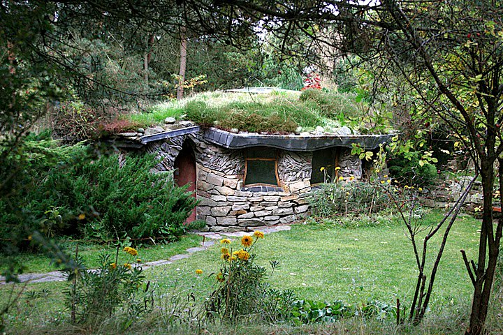 Lord Of The Rings Cottage Garden