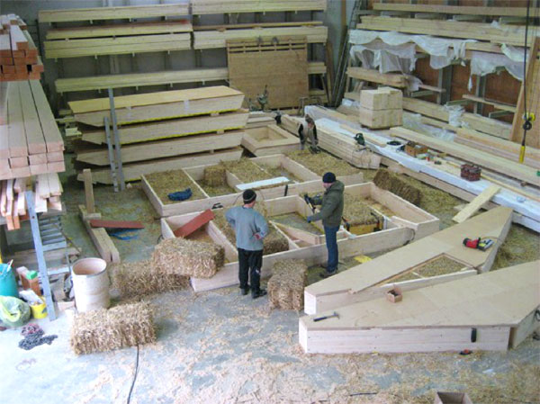 shakti haus plant feng shui passivhaus mit strohballend mmung. Black Bedroom Furniture Sets. Home Design Ideas