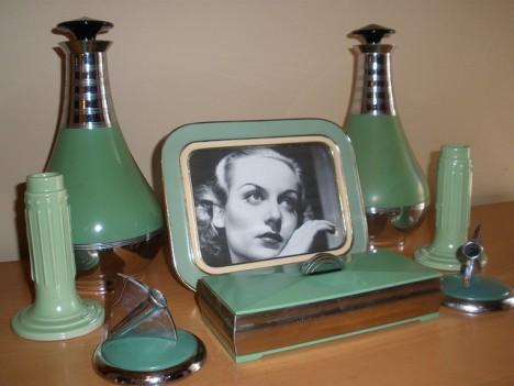 Exklusive Accessoires: Thermoskannen, Kerzenständer, Füllfederhalter, Bilderahmen und Zigarettenbox im Art déco Stil