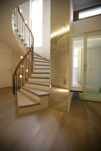 innerst dtische neukonzeption einer villa unter. Black Bedroom Furniture Sets. Home Design Ideas
