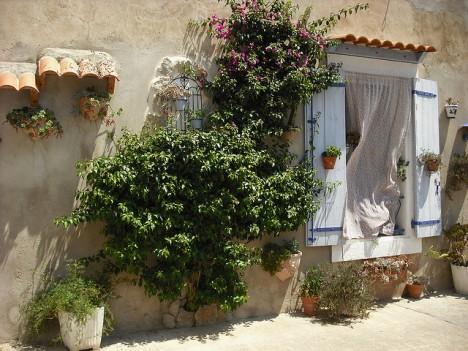 Der Charme des Unperfekten: Französisches Landhaus in Aude, Languedoc-Roussillon, Südfrankreich