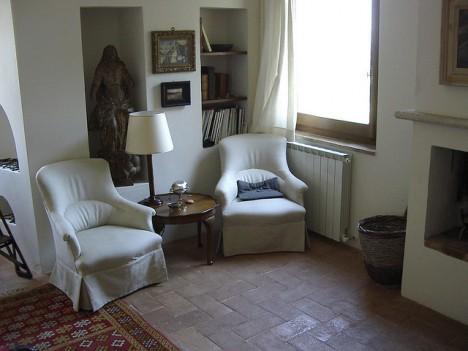 Schlicht und Praktisch, aber doch elegant - Inneneinrichtung in einem Landhaus in der Toskana