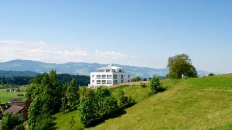 Erstes Bürogebäude in Vastu-Bauweise in der Schweiz