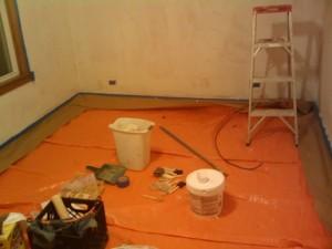 Sind alle Malerutensilien besorgt, kann die eigentliche Malerarbeit beginnen
