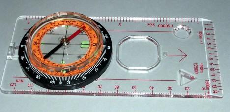 Einen Kartenkompass erhalten Sie u.a. im www.fengshui-beratershop.de Foto: H.Seipel