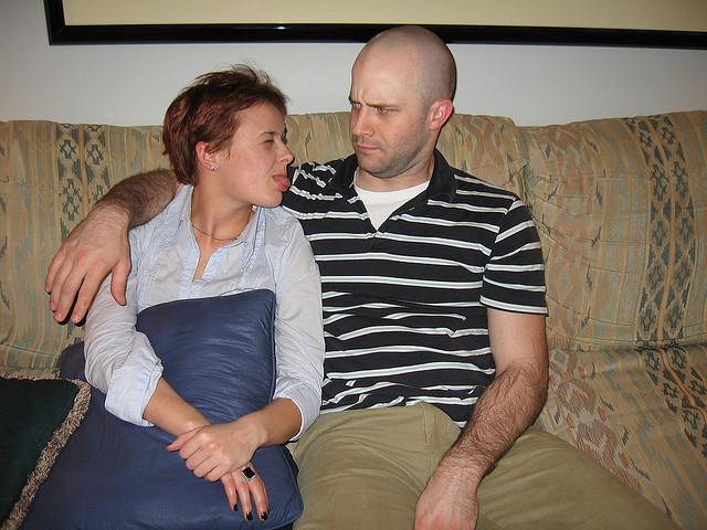Im gegensätzlichen Stil mancher Pärchenwohnung lassen sich frühzeitig Differenzen in der Beziehung erkennen