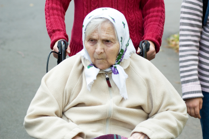 Altenpflege ist ein akutes Thema in unserer Gesellschaft. Wie kann Feng Sui sie unterstützen? Foto: istockphoto/© Anette-Romanenko
