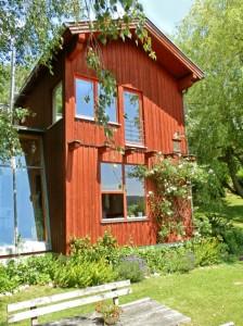 Holzfassade samt Garten und Wintergarten, Foto (C) + Planung: Irmgard Brottrager
