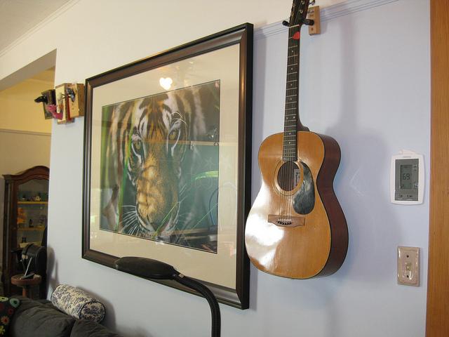 Die Wirkung von Bildmotiven und die Bedeutung der Anordnung von Bildern im Raum sollte nicht unterschätzt werden.