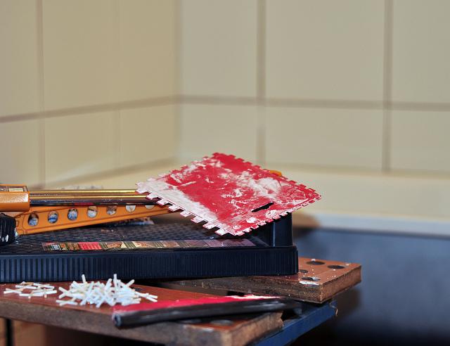 fliesen selbst verlegen schrittweise zum geschmackvollen raumkonzept. Black Bedroom Furniture Sets. Home Design Ideas
