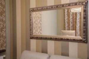 Ein Spiegel täuscht einen Raum nur vor. Foto: ©-Photographee.eu-Fotolia.com