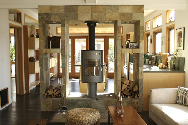 Ein moderner Kaminofen, richtig in die Wohnung integriert, spart in erheblichem Maße Heizkosten