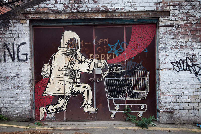 Konsumkritik künstlerisch umgesetzt, Graffiti in Liverpool