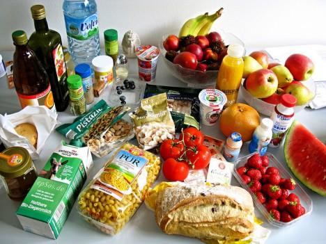 Feng Shui in der Küche hilft nicht nur beim Ordnung halten, sondern sorgt auch dafür, dass Lebensmittel besser gelagert werden und somit länger haltbar sind