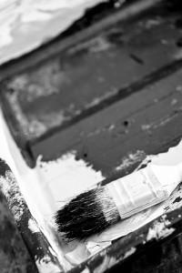 Bei der unbedachten Verwendung von Schwarz und Weiß ist Vorsicht geboten. Viel Kontrast bringt Unruhe in den Raum