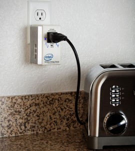 Vorsicht Elektrosmog: Wie bei diesem Intel Home Energy Sensor kommt es beim nachhaltigen Wohnen nicht allein auf Hightech an