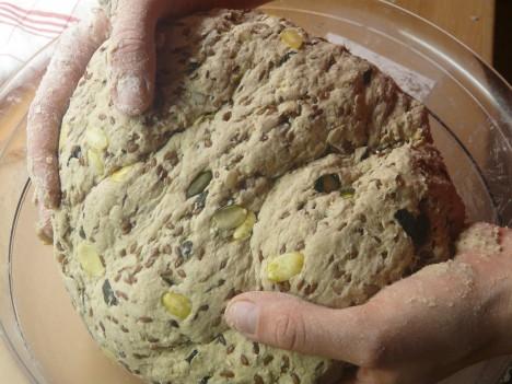 Worauf kommt es an, für einen Bäcker ein Firmenlogo zu gestalten? Foto: CC-0 via http://pixabay.com/en/bread-form-unwrought-bake-dough-49599/