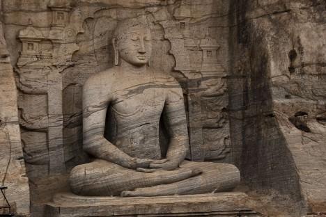 Samadhi Buddha Statue, Foto (C) Hafiz Issadeen / flickr