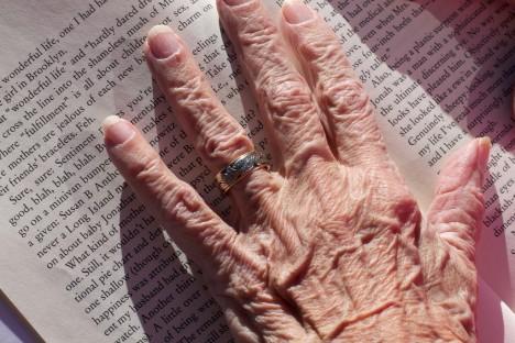 In der Wahnrehmung älterer Menschen schreitet die Zeit wieder langsamer voran