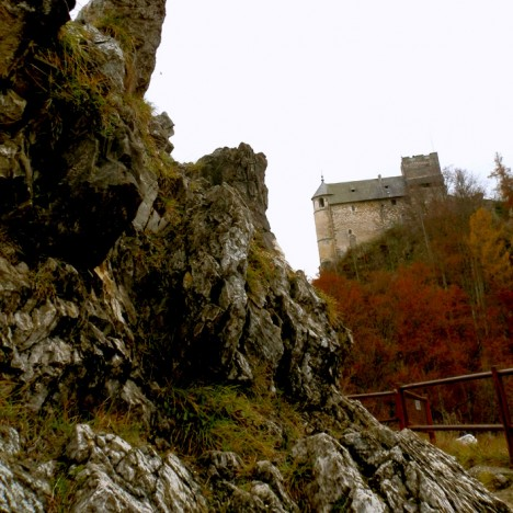Burgruine Gösting mit Jungfernsprung, Foto (C) Irmgard Brottrager