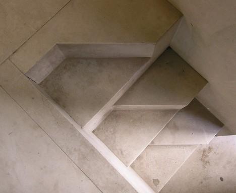 Raumspar-Treppe nach einem Entwurf von Carlo Scarpa, Foto (C) seier+seier / flickr