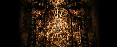 Altarbeleuchtung in der Kirche Frauenberg