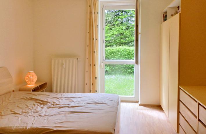 ton in ton eine besonders erdige schlafzimmer kollektion. Black Bedroom Furniture Sets. Home Design Ideas