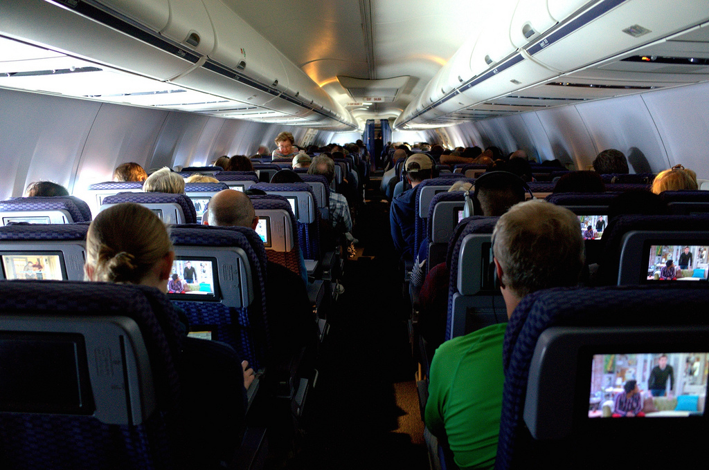 Warum es im flugzeug stinkt - Warum beschlagen fenster von innen ...