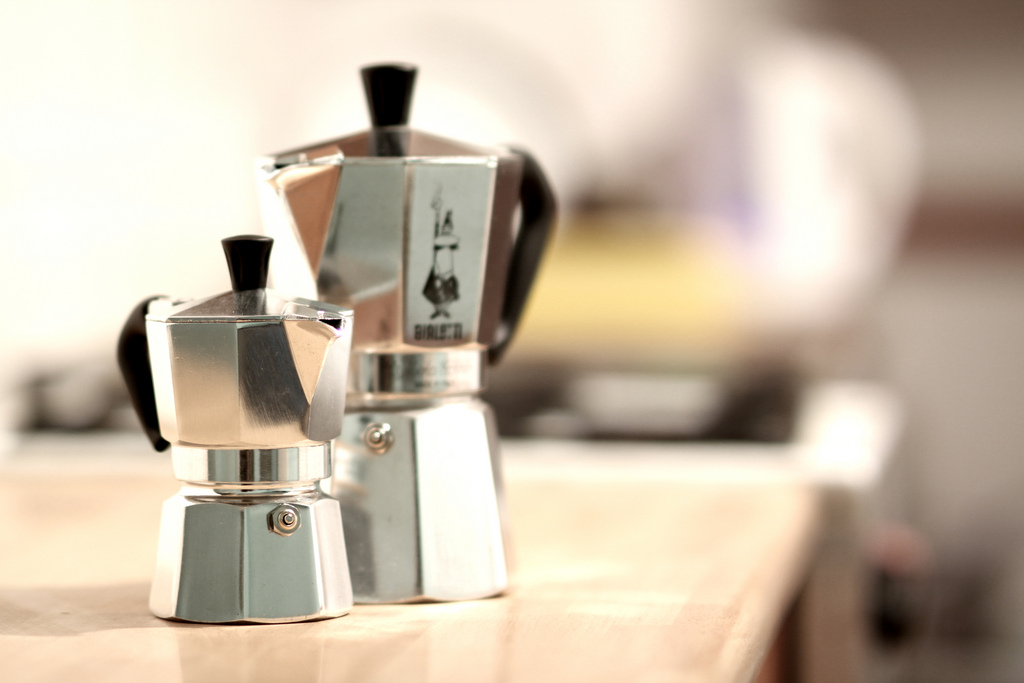 Warum eine große Kaffeemaschine? Tut es nicht auch ein kleiner Espressokocher?