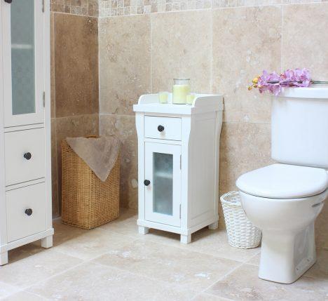 Es gibt eine ganze Reihe Tricks, die ein kleines Bad größer wirken lassen