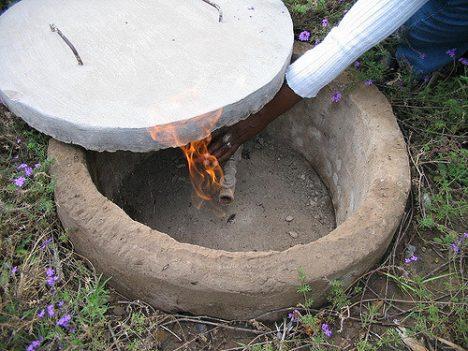 Biogas ist brennbar. Foto (C) SuSanA Secretariat / flickr