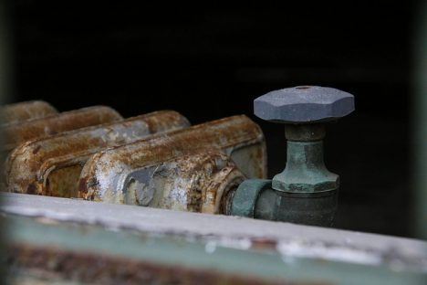 Alte, gusseiserne Heizkörper sind oft besser als sie aussehen, weil sie viel Speicher-Masse haben. Foto (C) Paul Sableman / flickr